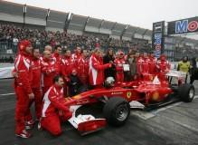 Il team Ferrari alo Motor Show di Bologna del 2011
