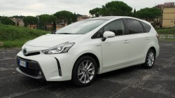 TOP FOTO Toyota Prius+